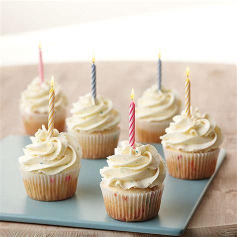 birthday cake cupcakes recipe wilton