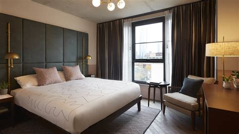 hoxton opens  hox chicago boutique hotel news