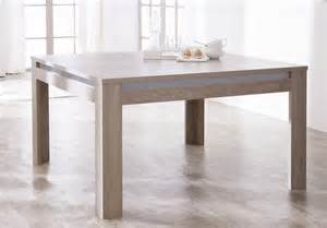 table salle carree contemporaine