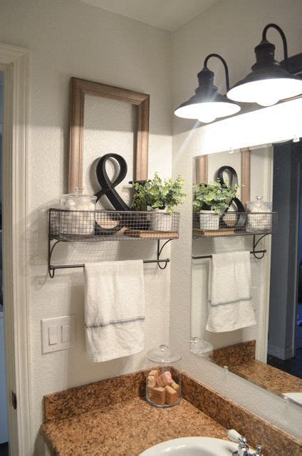 Farm Bathroom Decor by 25 Best Ideas About Decorating Bathrooms On