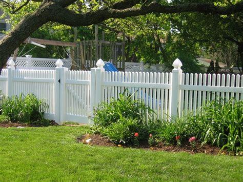 Picket Fence Garden Ideas Pvc Fences The Advantages Of Plastic Garden Fences