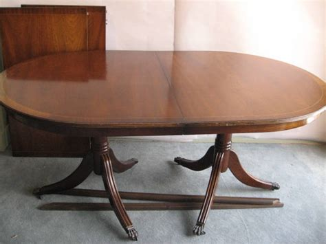 a duncan phyfe style dining table mahogany with 1283362
