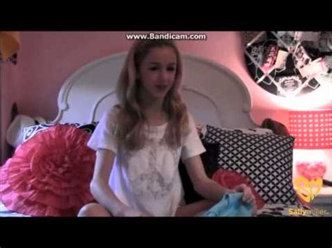 Lukasiak Bedroom by Maddie Ziegler Room Tour And Closet Doovi