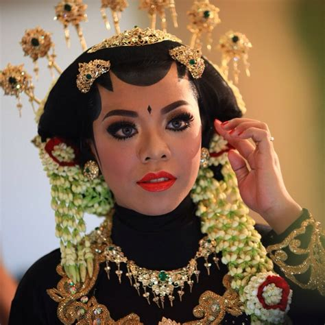 Make Up Sanggar Liza sanggar rias dewi apriyanti vendor pernikahan mantenan