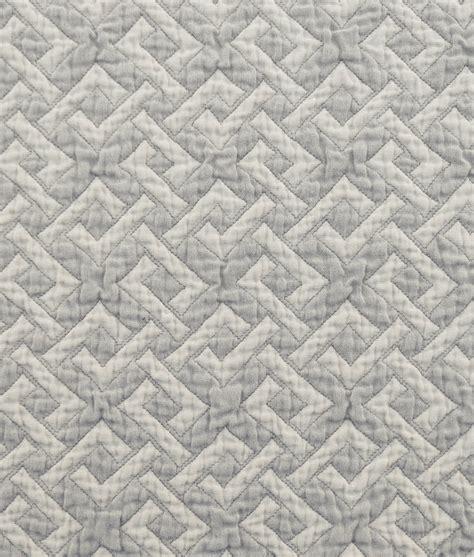 Sprang Matelassé Coverlet - The Oriole Mill Insulator Cover