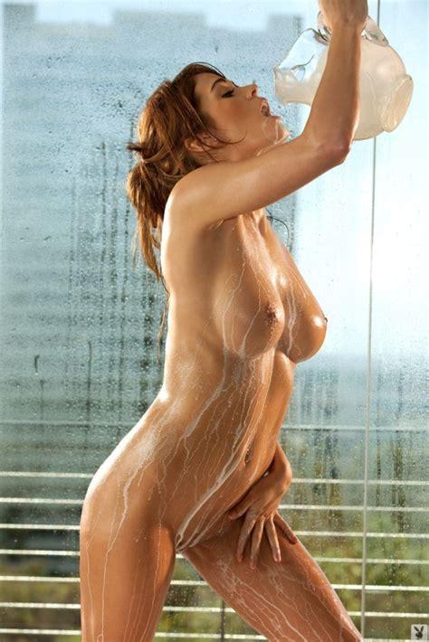 Magnificent Lauren Elise Is Taking A Milk Bath