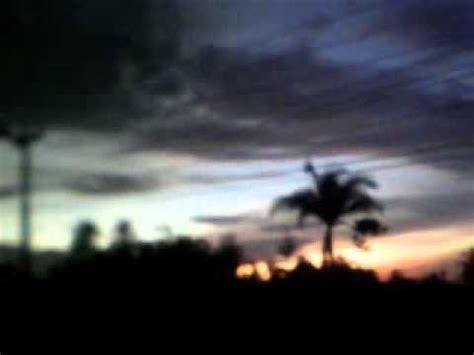 film hari kiamat tahun 2012 keanehan alam semesta menjelang malam hari tahun 2012