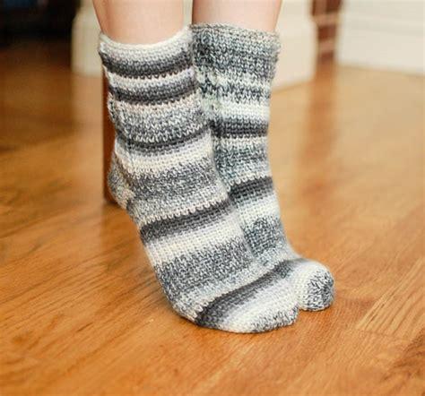 crochet socks pattern video ladies socks crochet pattern women s sizes 6 7 8 9