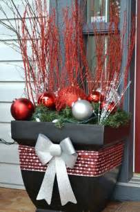 christmas decor images 31 cool outside christmas decorations digsdigs
