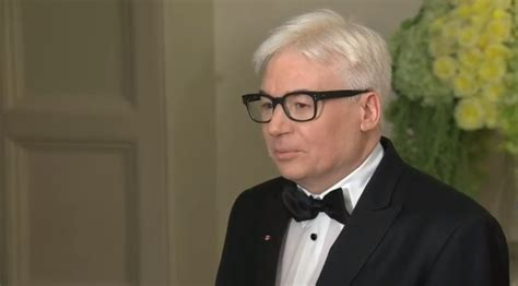 mike myers canada 101 7 the one mike myers is canada s newest silver fox