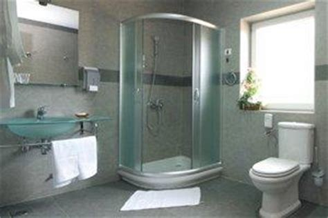 How Much To Install A Walk In Shower by 2017 Glass Shower Door Installation Costs