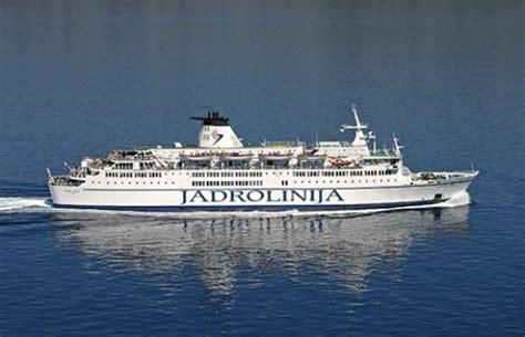 ferry catamaran novalja blue line ferry sails again between split and ancona