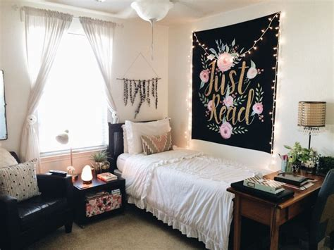 bed tapestry 17 best ideas about tapestry bedroom on pinterest tapestry bedroom boho boho room