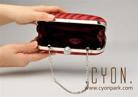 Tas Clutch Selempang Wanita Warna Pink Silver Abu Muda Murah Import tas pesta your arm at the all sold out