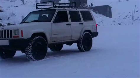 drift jeep jeep cherokee xj snow drift cookies youtube