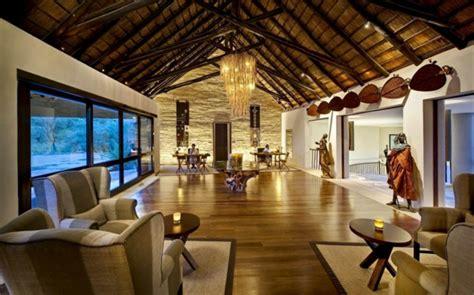 wohnzimmer urig luxus lodge in serengeti nationalpark bilila safari h 252 tte