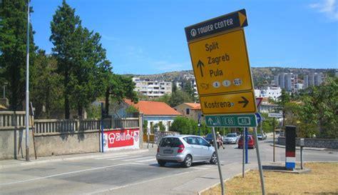 fb znakovi ukošeni prometni znakovi moja rijeka