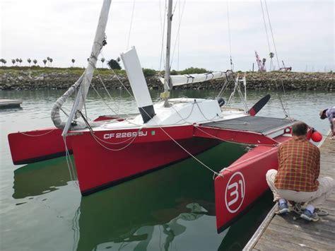 zeta trimaran small trimarans small trimaran diy boat sailing