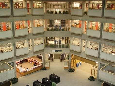 Royal Roads Mba Fees by Study In Canada Scholarship For International Students