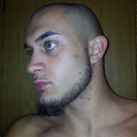 face shape hairstyle for weak chin best 25 goatee styles ideas on pinterest different
