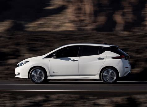 2020 nissan leaf 2020 nissan leaf changes and news update 2019 2020