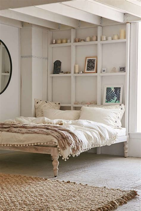 best reading for bed best 25 bed without headboard ideas on pinterest