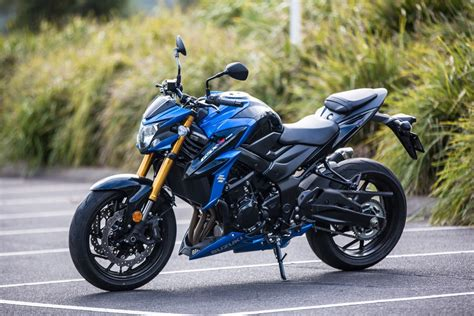 review 2017 suzuki gsx s750 shamelessly begs for a thrashing