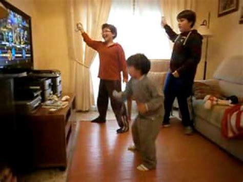 Imagenes Niños Jugando En Casa | jugando a la wii en casa ni 209 os youtube