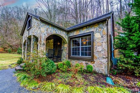 Great Smoky Mountain Log Cabin Rentals by Best 25 Smoky Mountains Cabins Ideas On