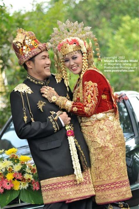 Foto Baju Pernikahan Adat Betawi foto pernikahan baju adat pengantin perkawinan aceh wedding by poetrafoto photographer indonesia