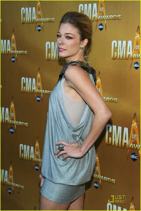 Cma Awards Leann Rimes by Leann Rimes Cma Awards 2010 Presenter Photo 2494562