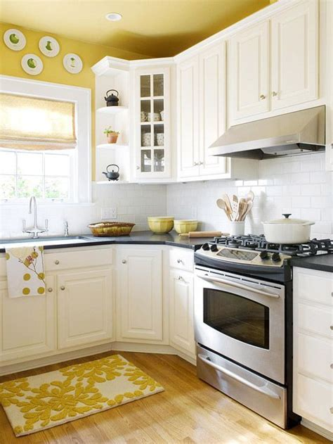 Yellow Kitchen With White Cabinets 10 Kitchen Decor Ideas For Your Mobile Home Rental Paint Colors Kitchen Ceilings And New Kitchen