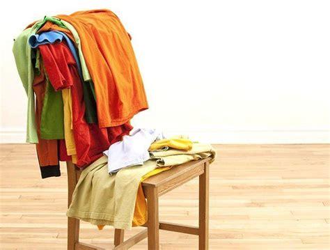 trucos para reciclar ropa reciclar sillas de madera haz una silla gal 225 n para dejar