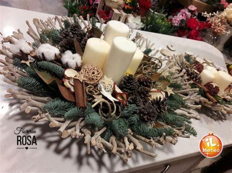 decorazioni tavola natalizia natale gli artisti dei fiori per la tavola delle feste