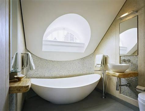 Super Small Bathroom Ideas badewanne unter dachschr 228 ge 22 s 252 223 e modelle