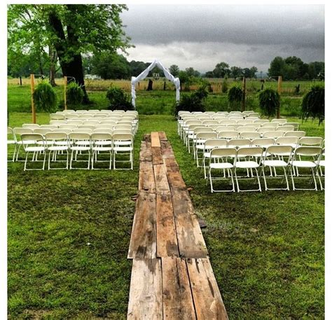 Vintage Wedding Aisle Songs by 25 Best Ideas About Backyard Wedding Ceremonies On