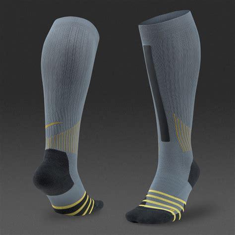 nike dri fit high intensity otc socks mens clothing
