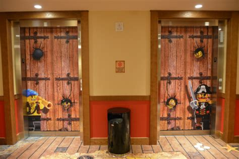 theme hotel elevator problem mousesteps 14 reasons to stay at legoland hotel at