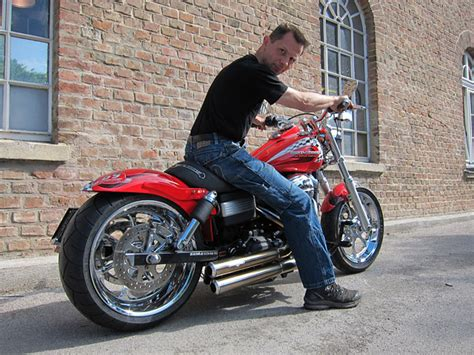 Motorrad Heckumbau Sterreich by Harley Streetbob Umbau Modellnews