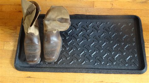bone embossed rubber boot tray 32 x 16 x 1