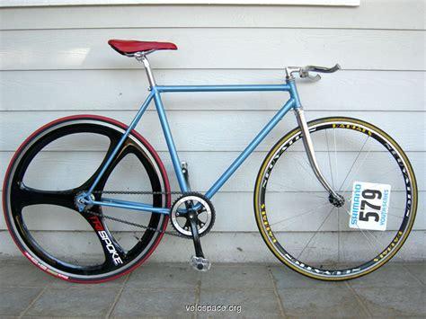 Wheel Dop Sepeda bellissimo warna yang mencolok membuat fixie makin ciamik