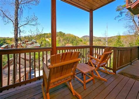 Cabins In Pigeon Forge And Gatlinburg by Pigeon Forge Cabins Gatlinburg Cabins Smoky Mountain