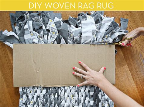 How To Make Own Rug by How To Make Your Own Rag Rug Curbly