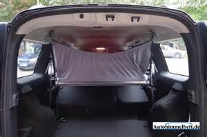 im auto schlafen tipps so funktioniert das autohimmelbett im auto schlafen mit