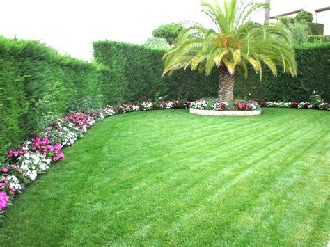 Bordure De Terrasse Fleurie by Jardin Paysager Avec Gazon Azur Jardins