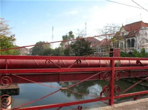 Tinju Bintang Utara 2 4 6 Rajawali Grafiti tempat wisata di surabaya jembatan merah surabaya