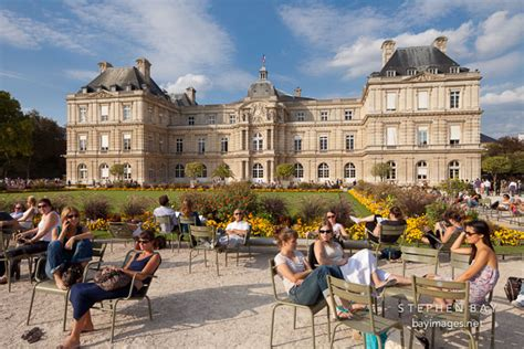boulay frankreich photo parisians at the jardin du luxembourg