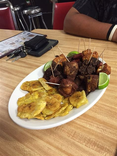 mofongo house mofongo house restaurant 29 photos 12 reviews dominican 7155 b pembroke rd