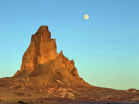 what is a volcanic neck and how does it form ipernity p6202961bc shiprock volcanic neck by jacques