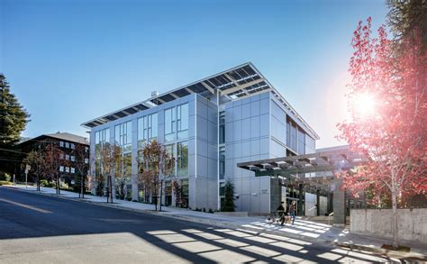 San Francisco Institute Of Architecture Green Mba by Leed Platinum Innovation Hub Features Alucobond